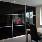 Spejl TV monteret i skydedør